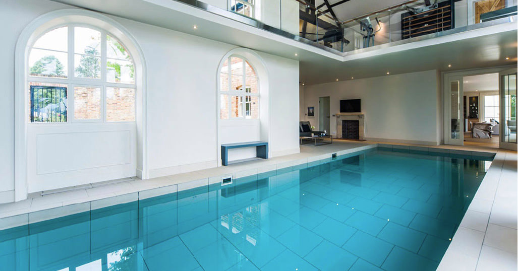 movable floor swimming pool